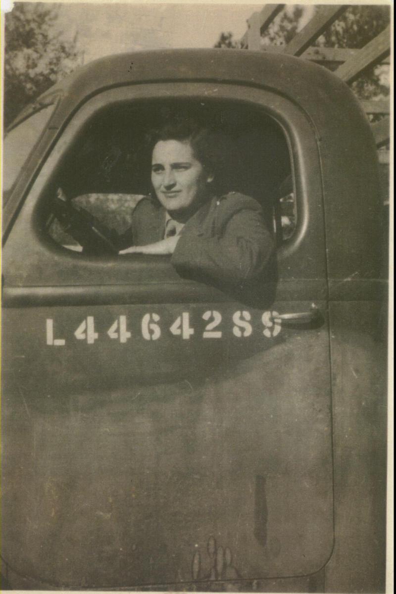 רחל סיטקוב, נהגת בצבא הבריטי במצרים,1941