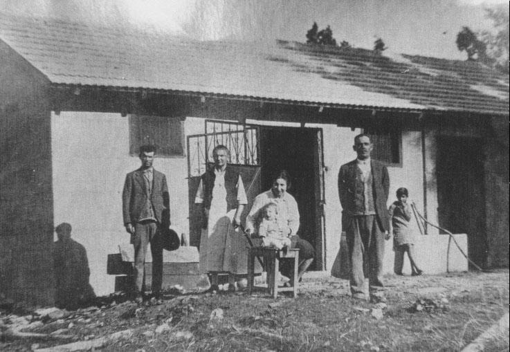 משפחת יוספזון, לפני הרפת, ברחוב בנימין